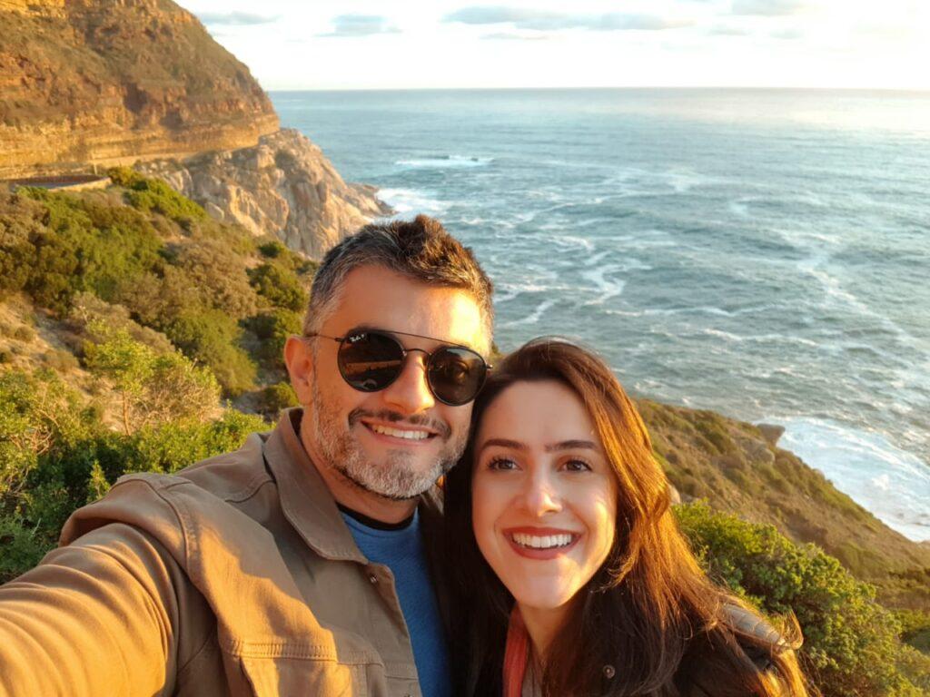 Casal na Chapman's Peak Drive, África do Sul