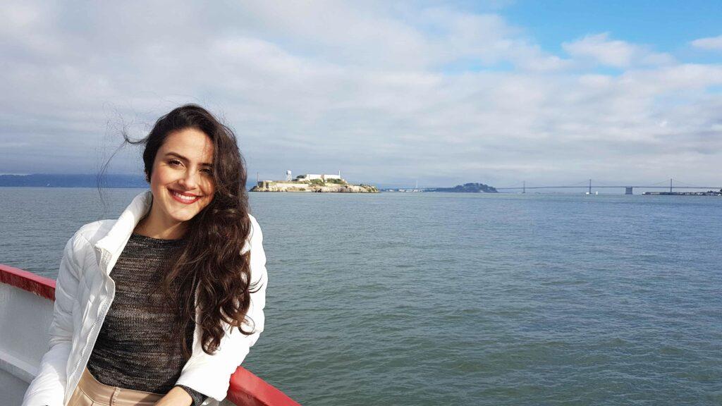 San Francisco, Califórnia, EUA. Ao fundo, a Ilha de Alcatraz a Oakland Bay