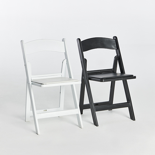 51. Resin Folding Chairs-Black _ White