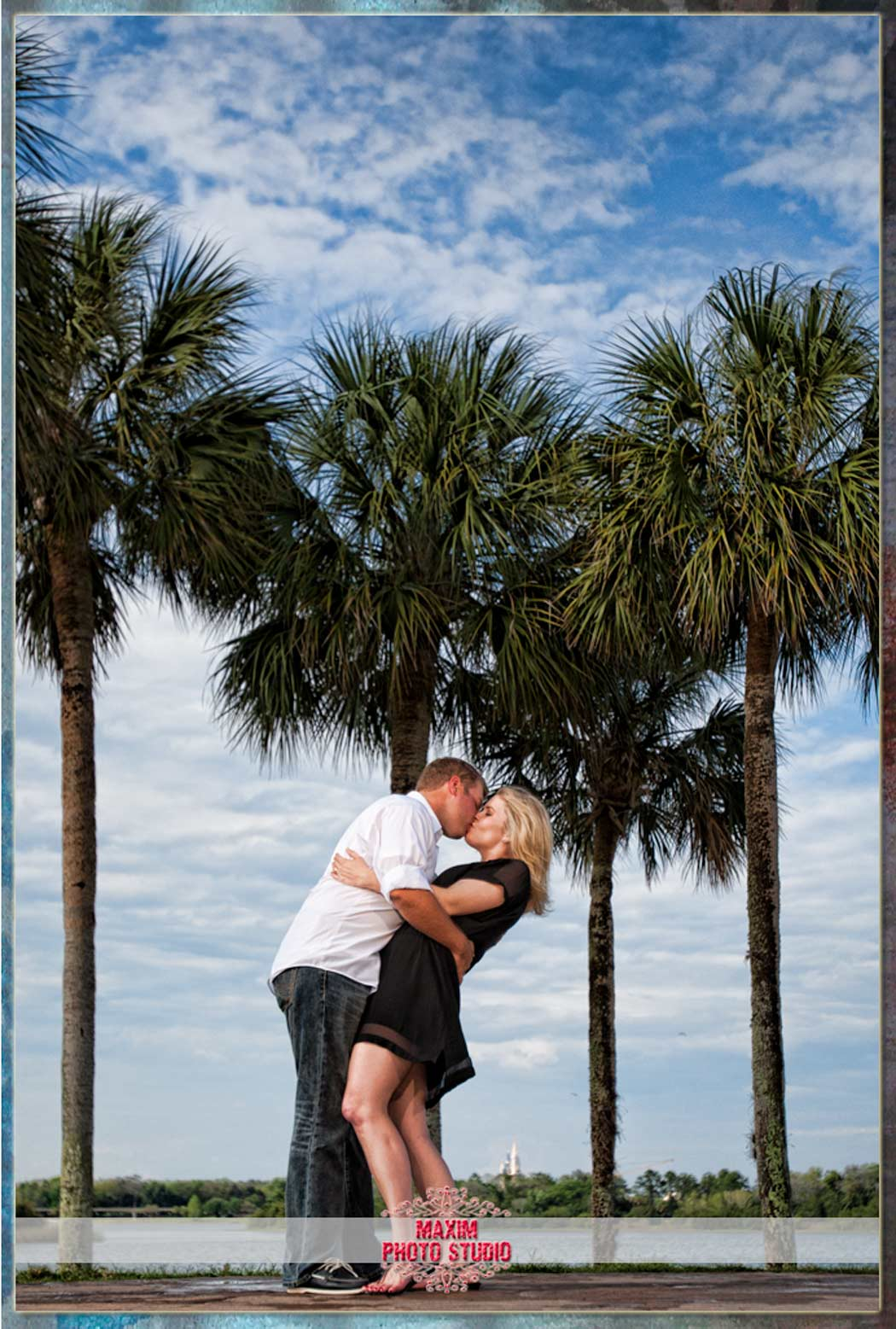 maxim photo studio photographed the Disney World engagement