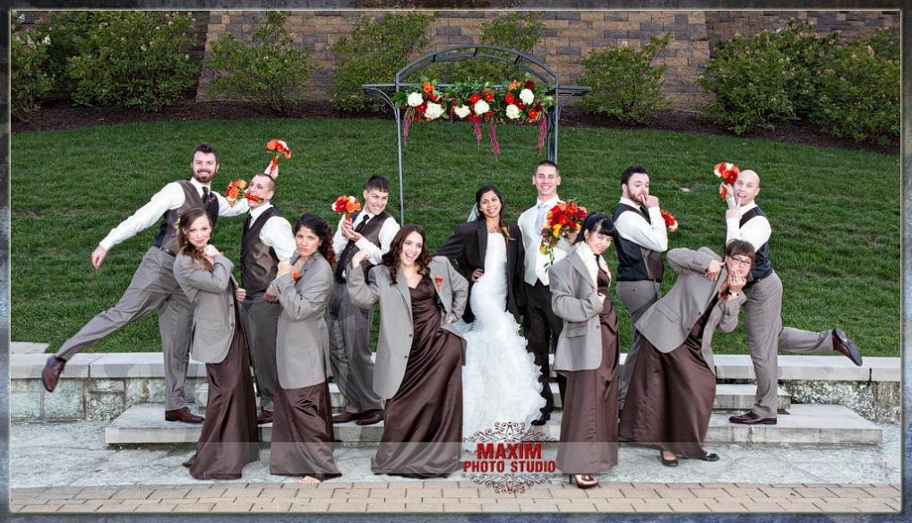 Cincinnati bridal party at Anderson Center
