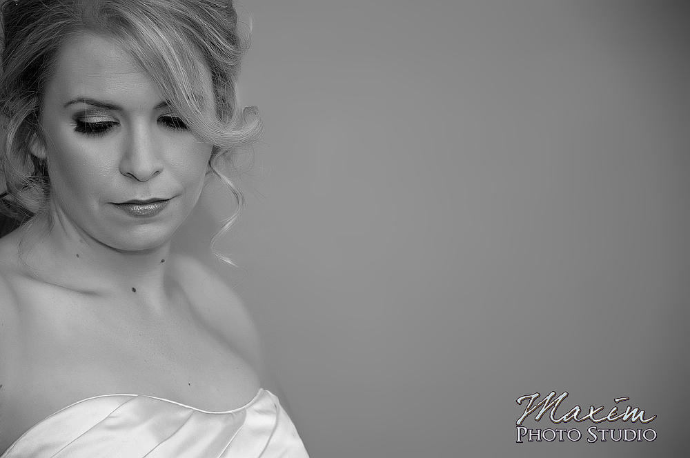 Bride getting ready at Scioto Reserve Country Club