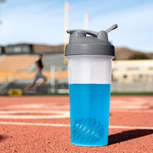 28_oz_blender_bottle_classic_03env