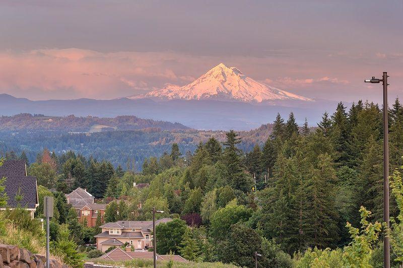 Mount-Hood-Evening-Alpenglow-at-Happy-Valley-cm