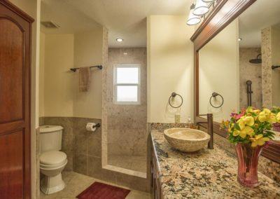 H12_bathroom-4