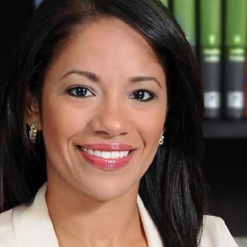 Hon. Karilyn Bonilla Colón Alcaldesa de Salinas Vice-Presidente
