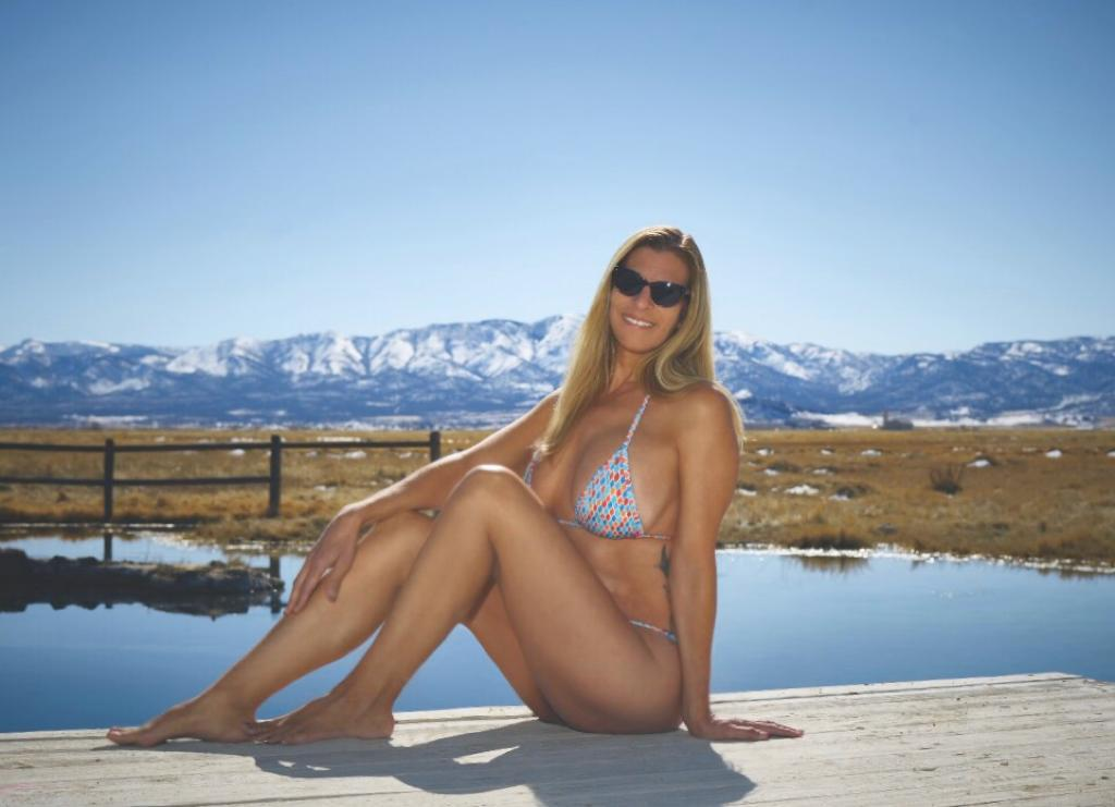 OH LOLA BABES - Sexy Micro bathing suit and the Great Americas Outdoors