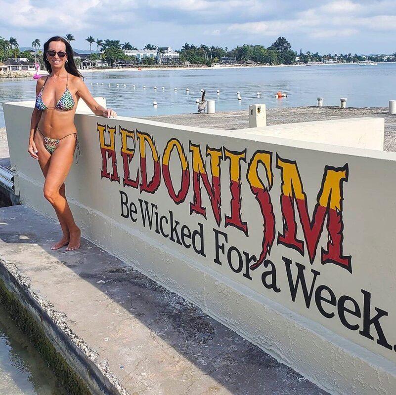 Bikini Lifestyle - Sexy Carol Milf at Hedo Resorts - OH LOLA SWIMWEAR