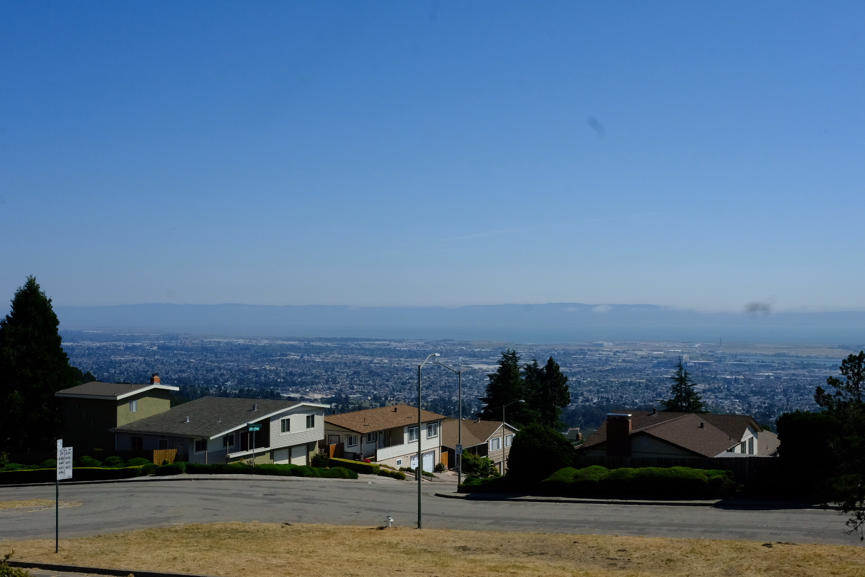 View of East Oakland from Skyline blvd