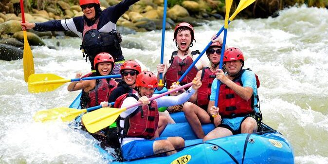 whitewater-rafting-on-the-savegre-river-from-manuel-antonio-in-quepos-601182