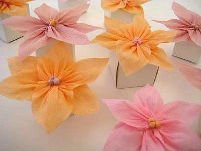 Flores sencillas de papel crepe