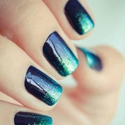 Tonalidades oscuras con glitter