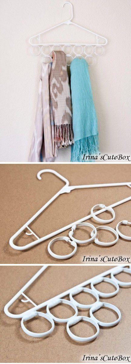 Aros de plástico en los ganchos para almacenar bufandas