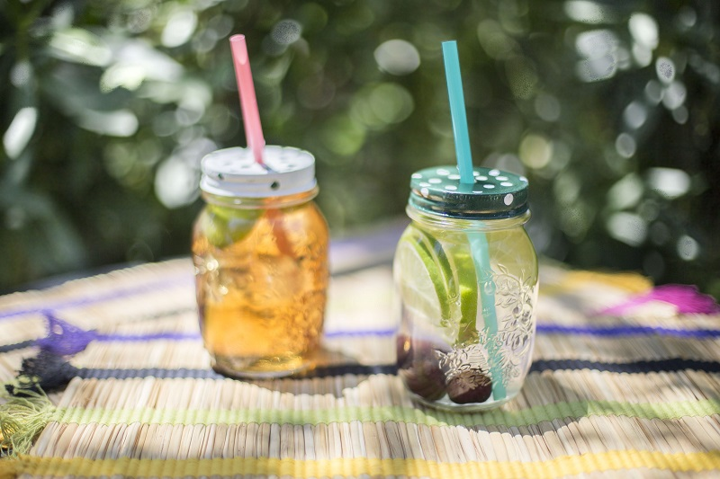 Frascos de cristal utilizados como vasos