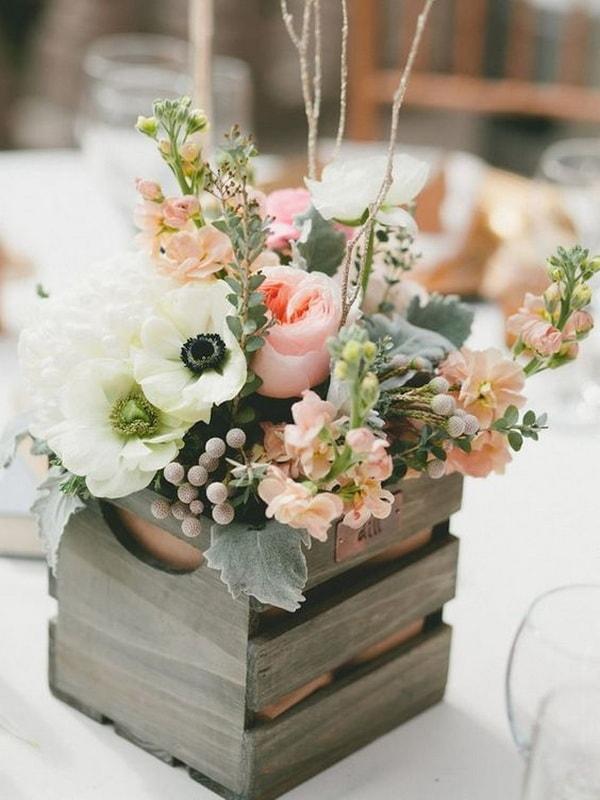 Utiliza cajas para los arreglos florales
