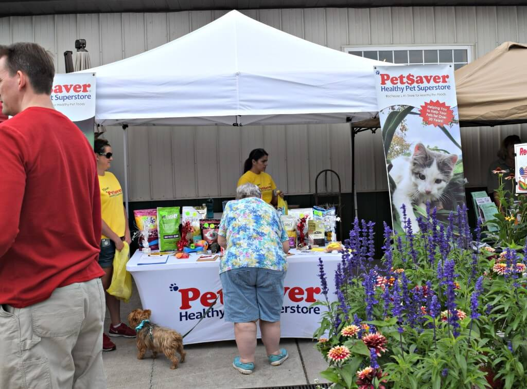 Visiting the PetSaver Superstore Booth