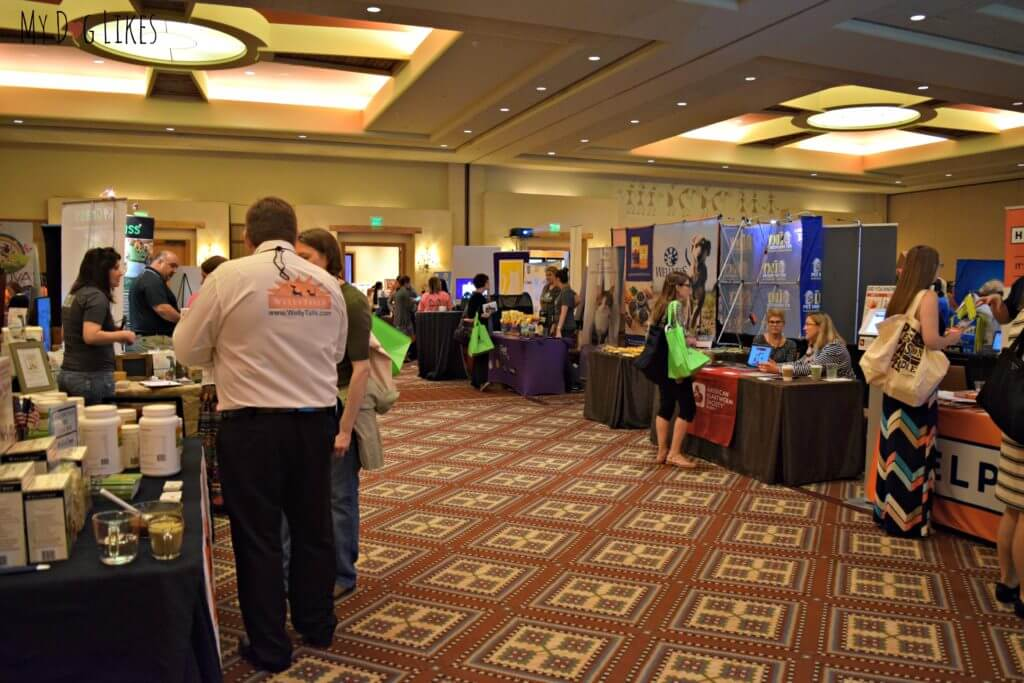Visiting the exhibit hall at the 2016 BlogPaws pet blogging conference