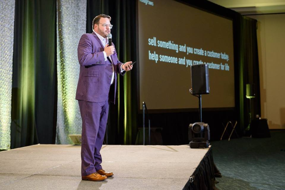 BlogPaws keynote address by Jay Baer