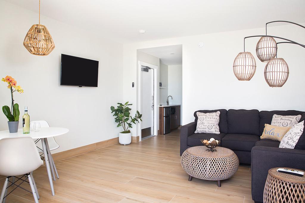 Deluxe-Suite-Living-Room-2