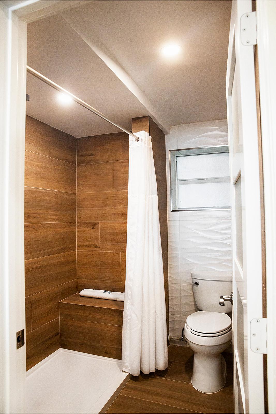 Jr-Suite-Bath