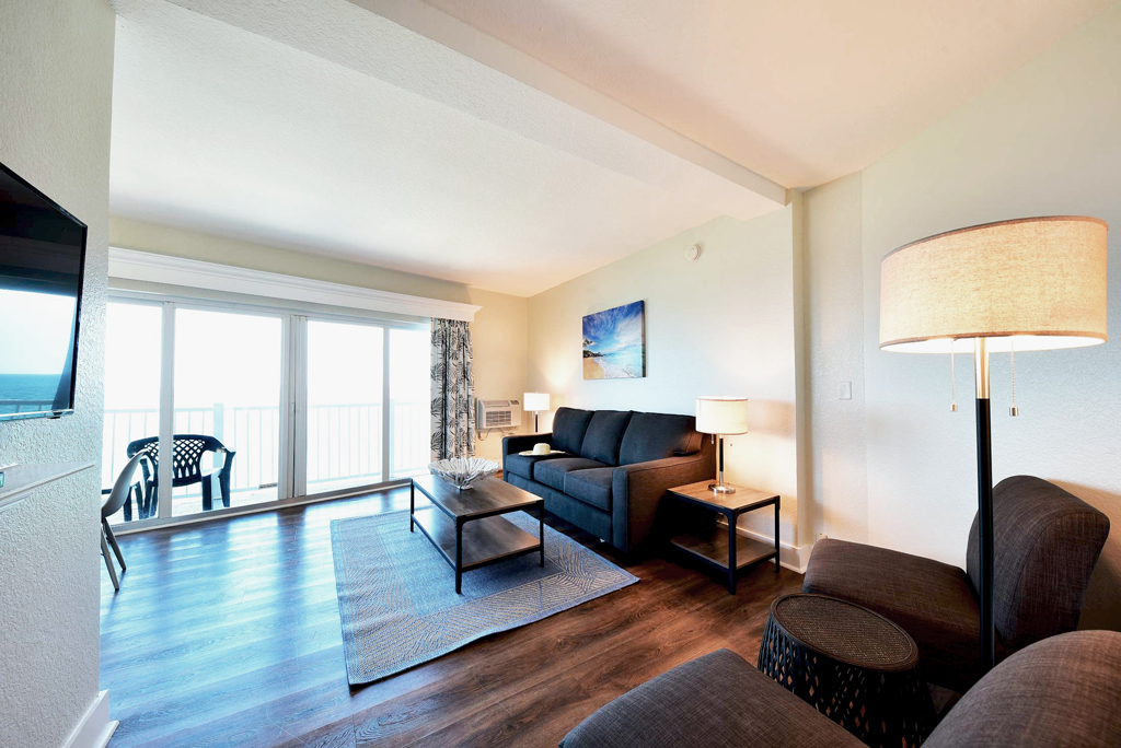 Standard-Suite---Living-Room