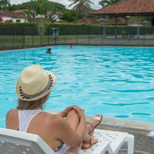 La Rochela piscina sol