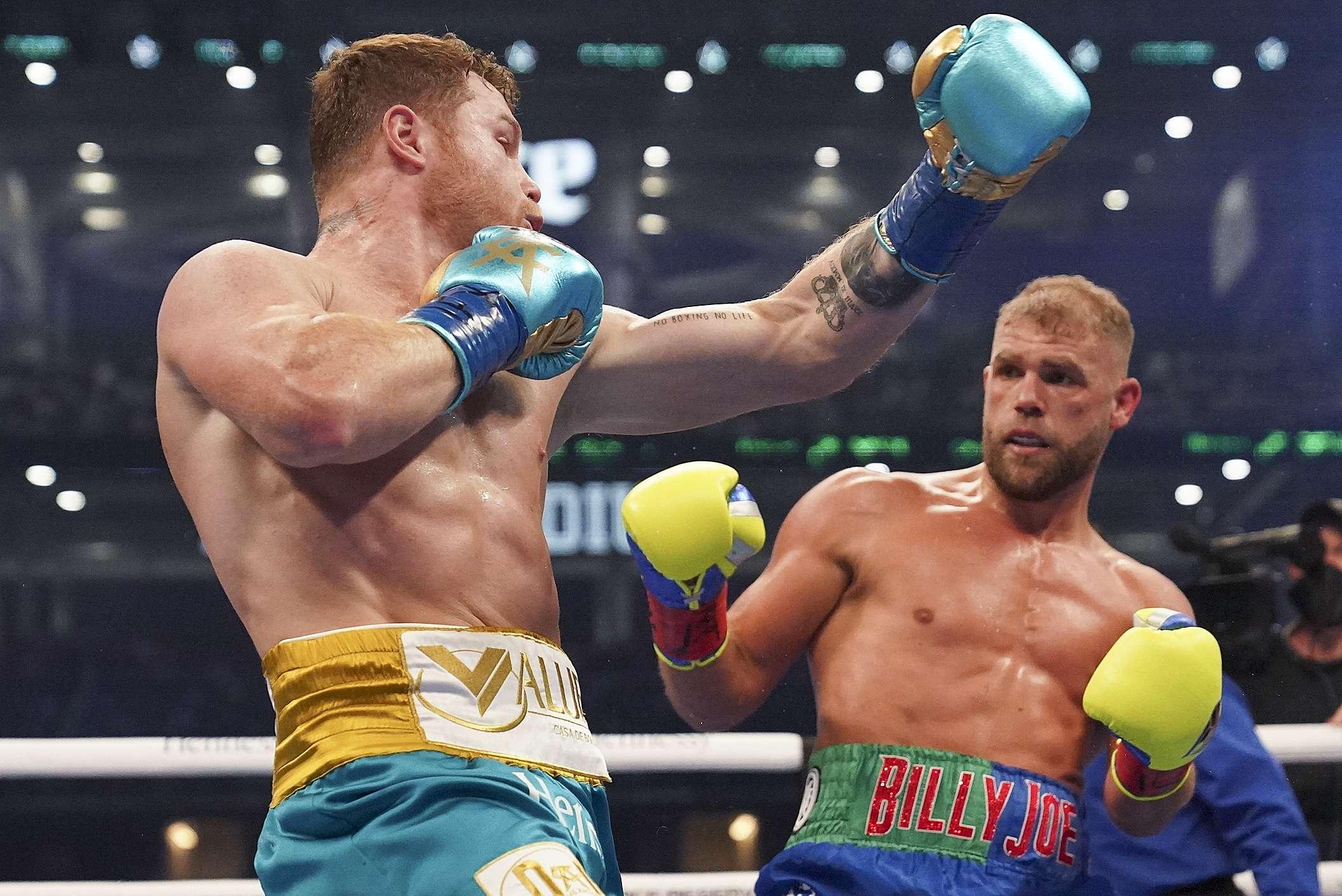 Se impone «El Canelo» Álvarez y derrota por KO técnico a Billy Joe Saunders