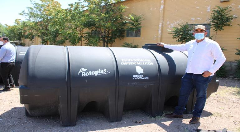 Envía Estado cisternas a Aldama, Aquiles, Nonoava y Santa Isabel; afectados por la sequía intensa