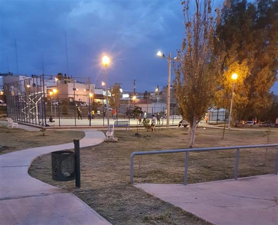 Brinda Gobierno Municipal mantenimiento integral a parque Los Frailes