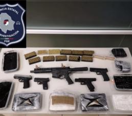 Asegura FGE vehículo con armas y droga en un domicilio de Ciudad Juárez