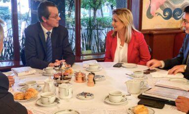 """""""Seguiremos caminando juntos"""", se reúne Maru Campos con directivos de Safran"""