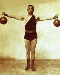 vintage-kettlebell-training-07