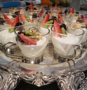 mini yogurt parfait