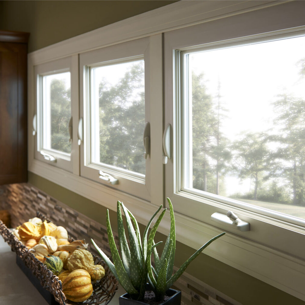 Simonton-Reflections-Awning-Window-Kitchen