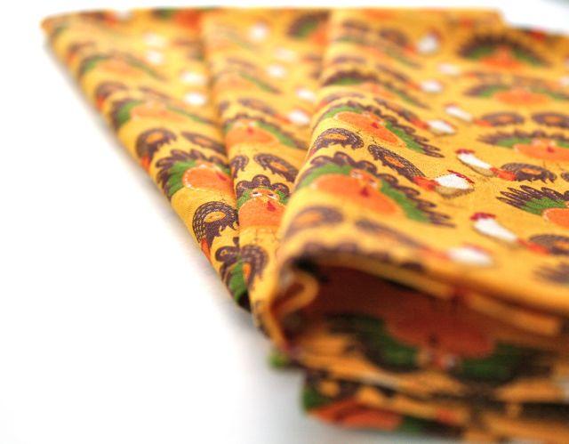 folded thanksgiving napkins