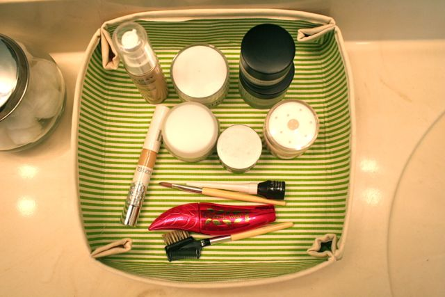 top down | make up tray | oilcloth