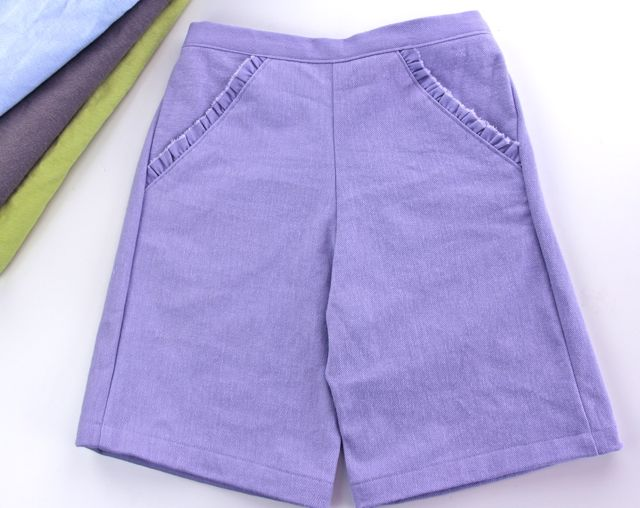 dimensional denim shorts w ruffled pocket