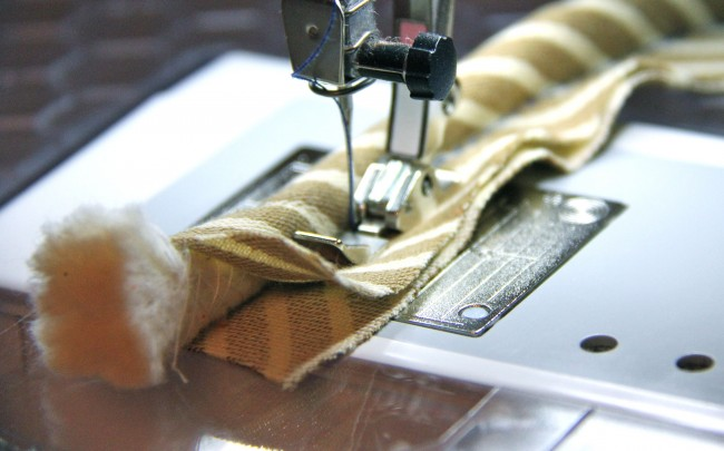sewing piping with a zipper foot
