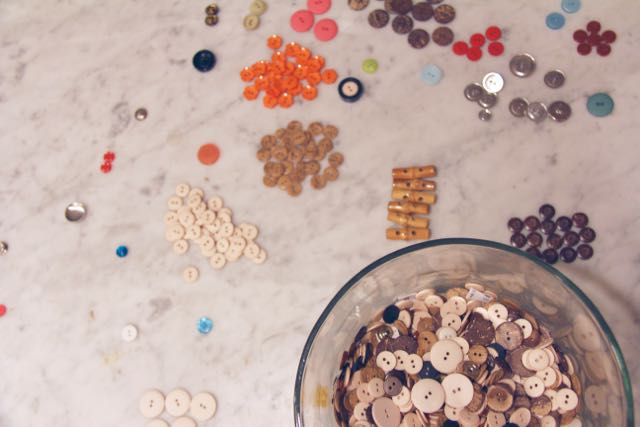 button sorting to build brain skills