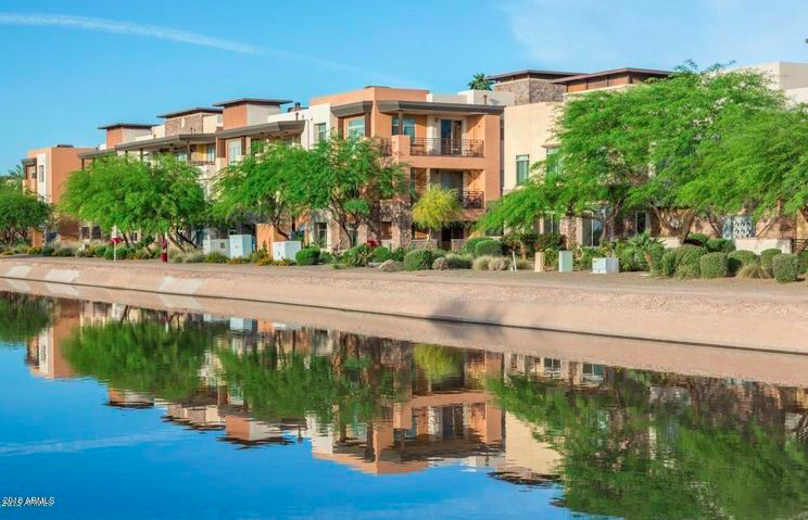 Emily Wertz, Realtor // JustClickYourHeels.com // Just Listed 2 Bed 2 Bath Condo in Old Town Scottsdale // 4805 N Woodmere Fairway, Unit 2007, Scottsdale, AZ 85251