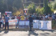 استمرار خطف واحتجاز قراصنة وارهابيين باخرة شحن لبنانية وتظاهرة امام سفارة اندونيسيا