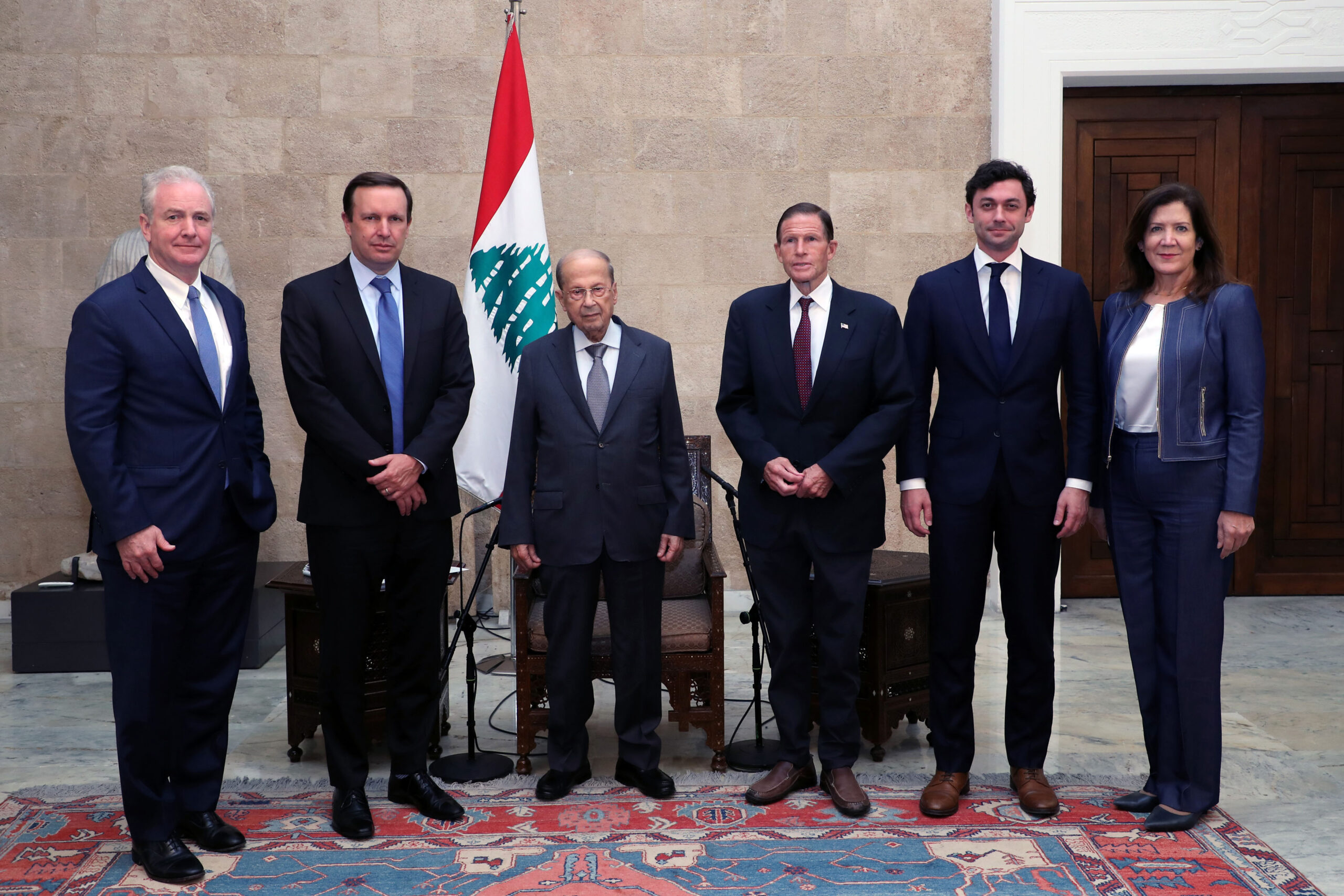 السيناتور الأميركي كريس مورفي يترأس وفدًا من مجلس الشيوخ في زيارة إلى لبنان