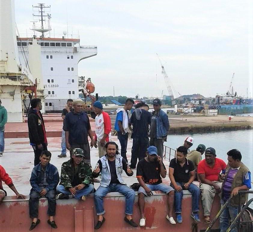 رعاية رسمية غير مسبوقة لانقاذ سفينة لبنانية مقرصنة في اندونيسيا