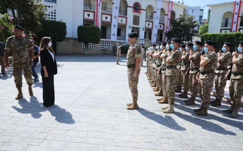 تجربة زينة عكر... أوّل وزيرة دفاع عربيّة تستمع للعسكر كما الضبّاط: العرب حضن الجيش... والسفراء مظلومون