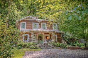 ARE Vintage Cabin Chimney Rock