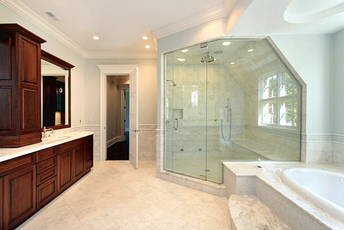 Master bath in new construction home with step up tub