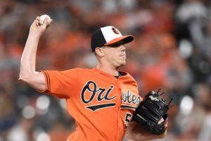 Nationals pick up veteran starter on minor league deal