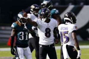 Ravens narrowly hold off Eagles, 30-28