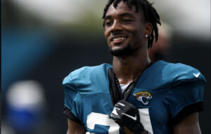 Panthers Trade For CB Henderson, Send TE Arnold to Jacksonville