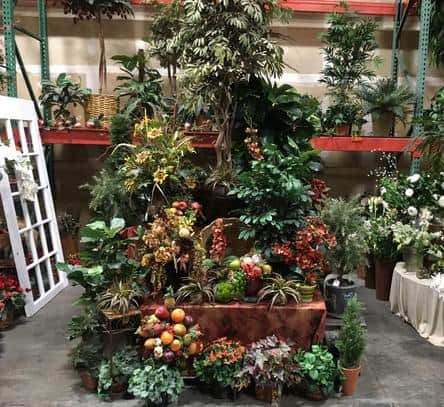 TUSCAN DISPLAY OF HIGH QUALITY ARTIFICIAL PLANTS